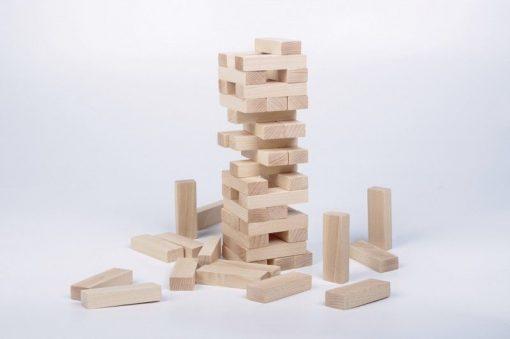 Drewniana wieża typu Jenga