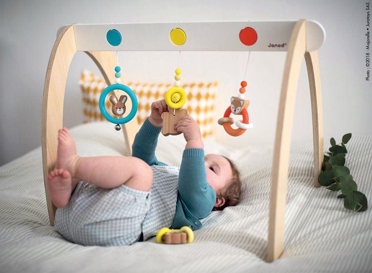 Stojący łuk dla niemowląt