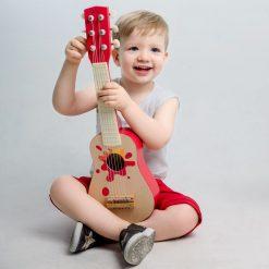 Drewniana gitara Mały Muzyk