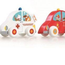 Cztery drewniane samochodziki