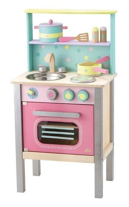 Drewniana pastelowa kuchnia