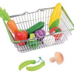 Koszyk sklepowy z warzywami