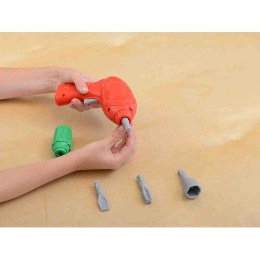 Zestaw narzędzi z wkrętarką