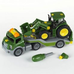 Traktor na Lawecie z Narzędziami