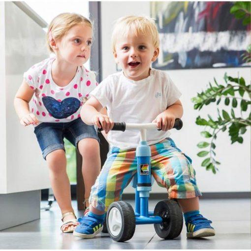 Rowerek-jeździk czterokołowy