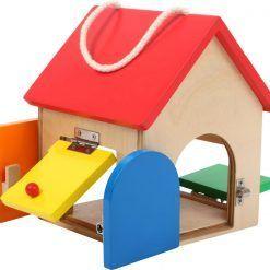 Kolorowy domek z zamkami